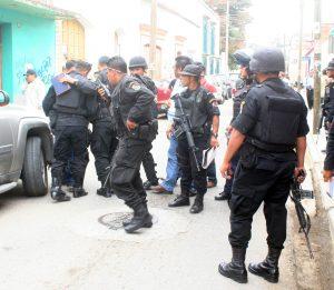 POLICIAS PREVENTICOS ACORDONARON EL AREA