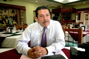 Leopoldo Cruz Canseco ha sido promotor del beisbol entre la comuna galena oaxaqueña.