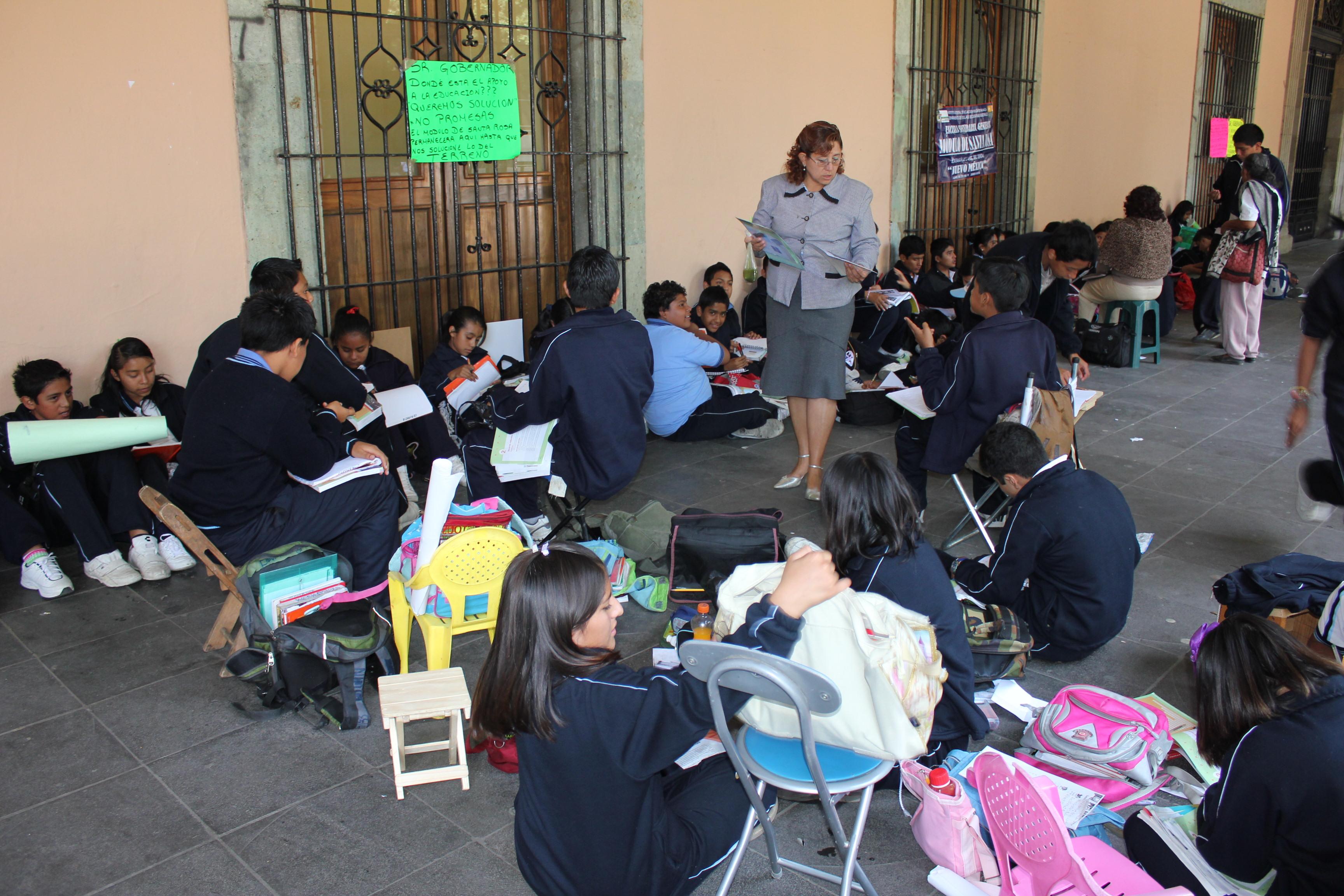 J venes opinan sobre la educaci n en m xico baccalaureat for Educacion exterior marruecos
