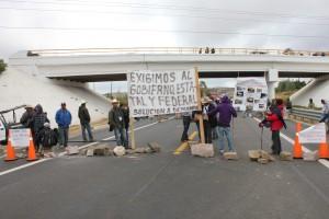 Pobladores de Santa Cruz y  Santiago Mitlatongo