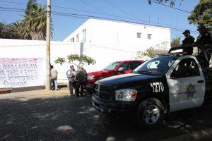 Policía Estatal Preventiva en la calle de Violetas, Col. Reforma