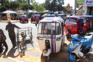 Mototaxistas Frente a Palacio