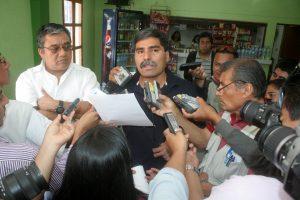 En conferencia los representantes de las ONGs