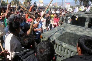 Elementos del Ejército Mexicano quedaron atrapados en el bloqueo
