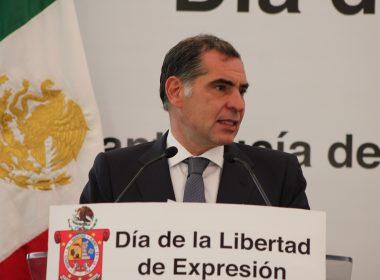 Gobernador Gabino Cué Monteagudo en el dia de la libertad de expresión