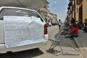 Delegación D-1-234 mantiene bloqueada la calle de Hidalgo esquina Armenta y López