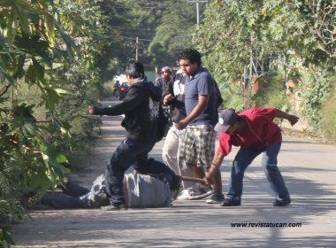 Inicio del enfrentamiento entre mototaxistas del municipio de Santa Cruz Xoxocotlán