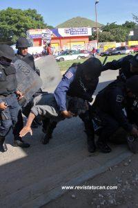 Elemetos de la Policia Estatal Preventiva en acción