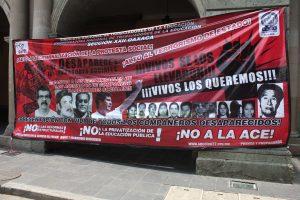 Protestas frente al Palacio de Gobierno del Estado de Oaxaca