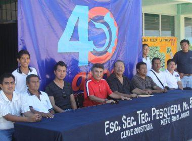 Eliezer Valdez reitera su apoyo a la comunidad pochutleca con los torneos de pesca, voleibol y futbol playero, así como actividades socioculturales