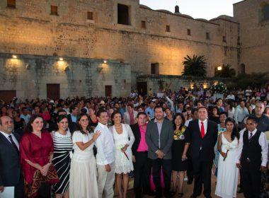 Con una emotiva ceremonia se realizó este viernes la Boda Colectiva que agrupó a 300 parejas.