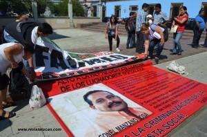 Representantes del FACMEO en protesta