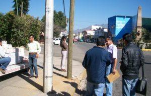 Suspensión de los trabajos de colocación de postes telefónicos