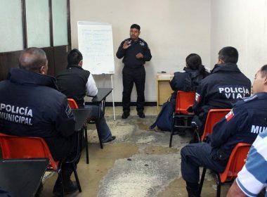 Policias municipales en cursos