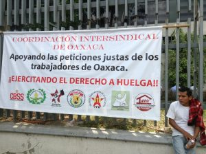 Trabajadores de bachilleratos en protesta