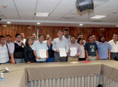 Gobierno de Oaxaca, Sección XXII y la LXII Legislatura del Congreso del Estado en la firma de acuerdos