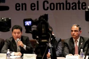 Procurador General de Justicia del Estado, Héctor Joaquín Carrillo Ruiz y el Secretario de Seguridad Pública, Alberto Esteva Salinas