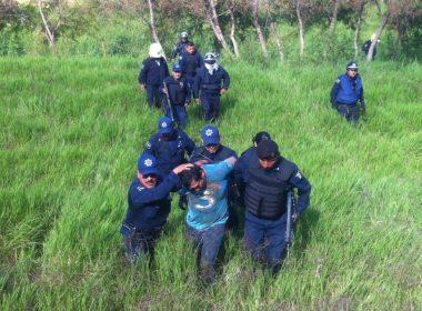 Detenidos en la ribera del río Atoyac