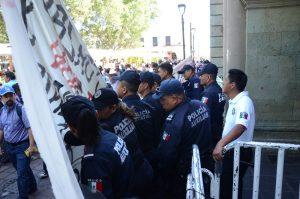Accesos a Palacio de Gobierno ante protesta de los Triquis