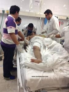 Médicos atendiendo la emergencia