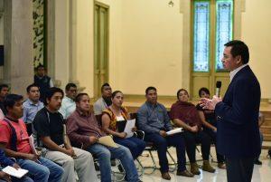 Chong y familiares de las víctimas de Nochixtlán, hace unos días
