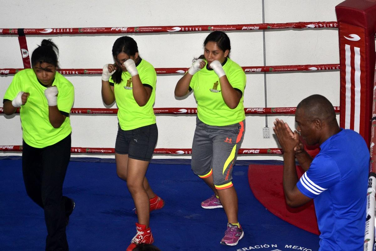 Inauguran el gimnasio de boxeo rfm revista tuc n es for Gimnasio de boxeo