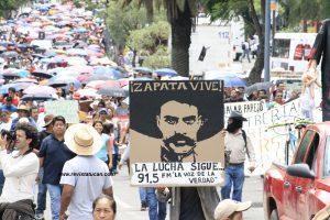 Megamarcha de la Sección 22 en Oaxaca