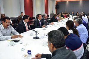 Mesa de diálogo con representantes de la CNTE