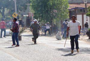 Enfrentamiento en la carretera Oaxaca-Puerto
