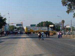 Sección 22 desquicia nuevamente vialidades importantes de Oaxaca; acciones continuarán mañana