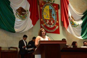 Legisladora Adriana Atristain