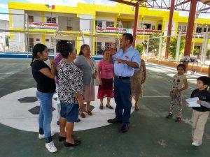 Jorge Armando Santiago Sánchez y pobladores de Dolores