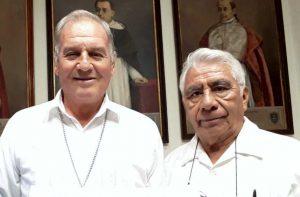 Mon Señor Pedro Vázquez Villalobos y el Padre Barragán, vocero de la Arquidiócesis de Antequera