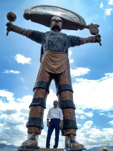 Vladimir Cuevas y el Danzante de la Pluma